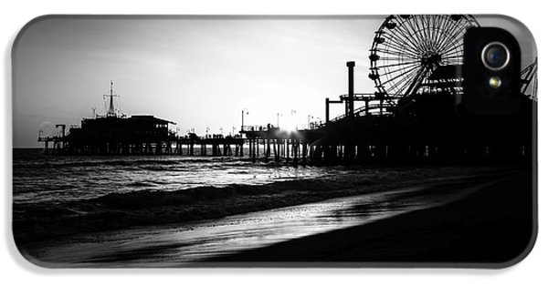 Santa Monica iPhone 5s Case - Santa Monica Pier In Black And White by Paul Velgos