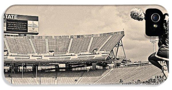 Penn State University iPhone 5s Case - Stadium Cheer Black And White by Tom Gari Gallery-Three-Photography