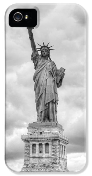 IPhone 5s Case featuring the photograph Statue Of Liberty Full by Dave Beckerman