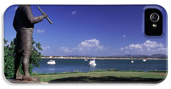 Far North Queensland iPhone 5s Case - Statue On The Cooktown Foreshore by Paul Dymond