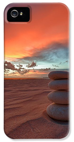 Pattern iPhone 5s Case - Sunrise Zen by Sebastian Musial