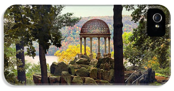 Temple Of Love In Autumn IPhone 5s Case