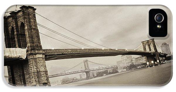 The Brooklyn Bridge IPhone 5s Case by Eli Katz
