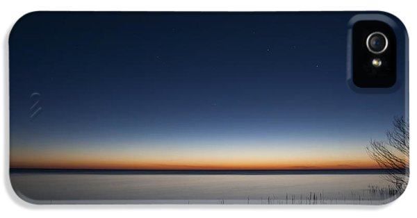 Lake Michigan iPhone 5s Case - The First Light Of Dawn by Scott Norris