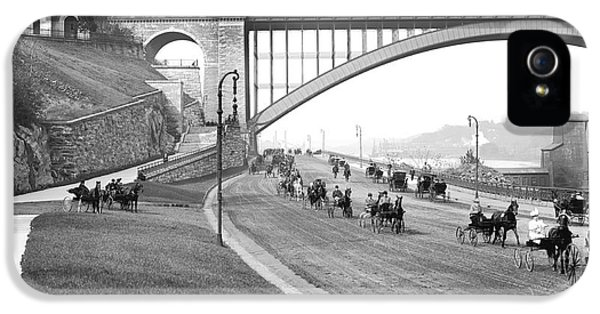 The Harlem River Speedway IPhone 5s Case by Detroit Publishing Company