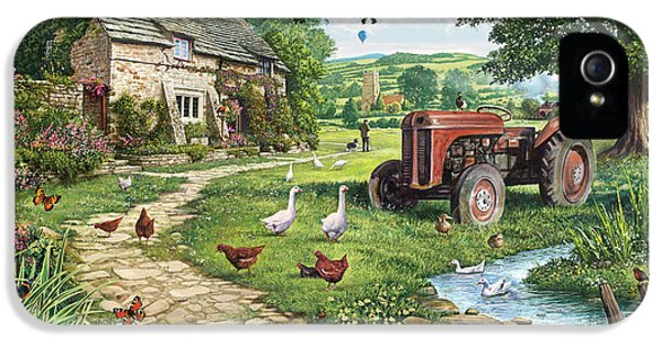Goose iPhone 5s Case - The Old Tractor by Steve Crisp