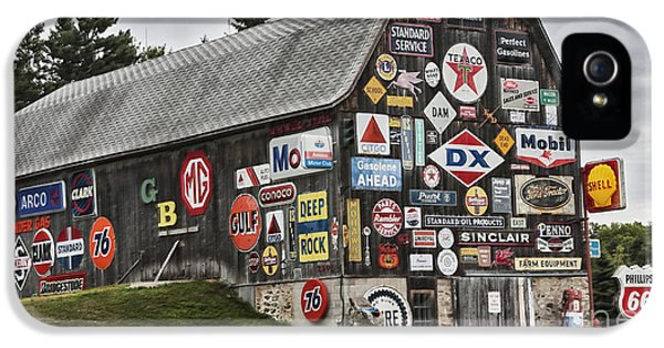 IPhone 5s Case featuring the photograph The Sign Barn by Ricky L Jones