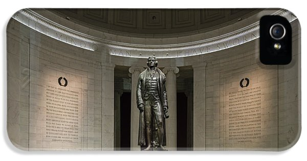 IPhone 5s Case featuring the photograph Thomas Jefferson Memorial At Night by Sebastian Musial