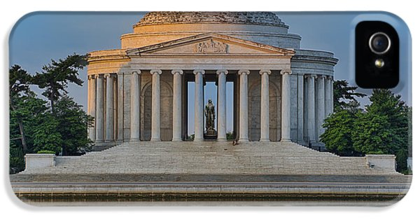 IPhone 5s Case featuring the photograph Thomas Jefferson Memorial At Sunrise by Sebastian Musial