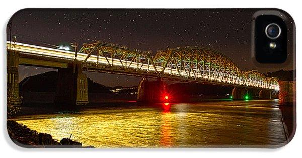 Train Lights In The Night IPhone 5s Case by Miroslava Jurcik