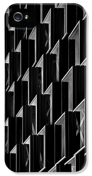 Facade iPhone 5s Case - Triangle Offense by Theo Huybrechts