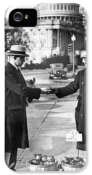 Unemployed Man Sells Apples IPhone 5s Case by Underwood Archives