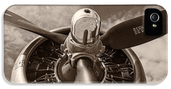 Airplane iPhone 5s Case - Vintage B-17 by Adam Romanowicz