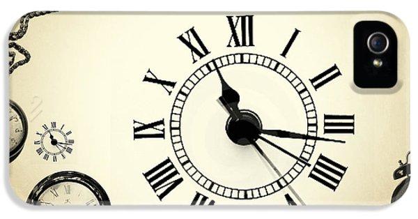 Clock iPhone 5s Case - Vintage Clocks by Mark Ashkenazi
