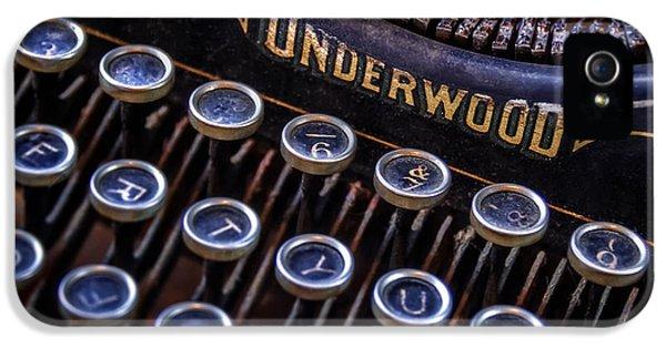 Macro iPhone 5s Case - Vintage Typewriter 2 by Scott Norris