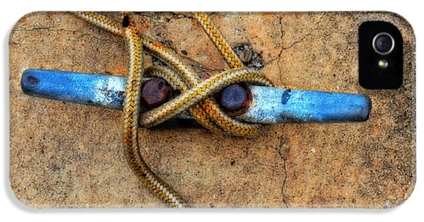 Boat iPhone 5s Case - Waiting - Boat Tie Cleat By Sharon Cummings by Sharon Cummings