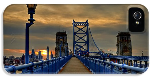 Philadelphia iPhone 5s Case - Walk With Me by Evelina Kremsdorf