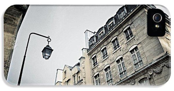 Paris Street IPhone 5s Case by Elena Elisseeva