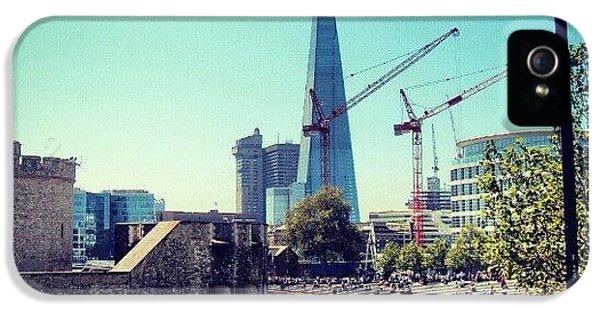 London iPhone 5s Case - #architecture #london #uk #sky by Abdelrahman Alawwad