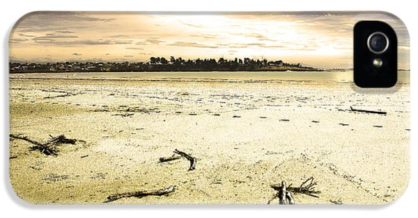 IPhone 5s Case featuring the photograph At Caroline Bay Timaru New Zealand by Nareeta Martin
