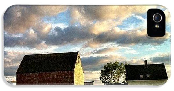 Amazing iPhone 5s Case - Little Tancook Island Farmhouse by Luke Kingma