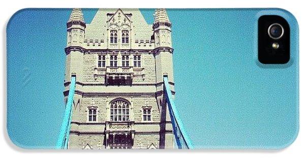 London iPhone 5s Case - London Bridge, May - 2012 #london by Abdelrahman Alawwad