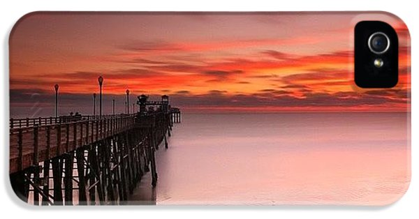 iPhone 5s Case - Long Exposure Sunset At The Oceanside by Larry Marshall