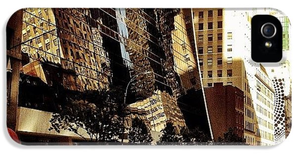 Light iPhone 5s Case - Reflections - New York City by Vivienne Gucwa
