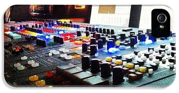 Bright iPhone 5s Case - Sound Board by Lea Ward