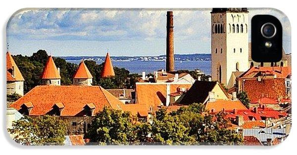 House iPhone 5s Case - Tallinn - Estonia by Luisa Azzolini