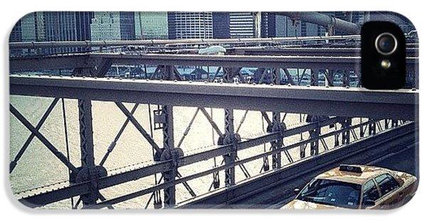 Summer iPhone 5s Case - Taxi On Bridge by Randy Lemoine