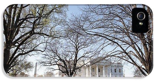 Whitehouse iPhone 5s Case - The White House And Lawns by Neil Overy