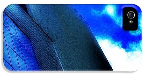 Follow iPhone 5s Case - Touching The Heavens by Matthew Blum