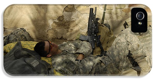 Minotaur iPhone 5s Case - U.s. Army Specialist Takes A Nap by Stocktrek Images