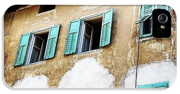 House iPhone 5s Case - Windows by Luisa Azzolini