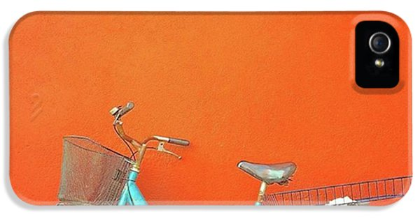 Blue Bike In Burano Italy IPhone 5s Case by Anne Hilde Lystad
