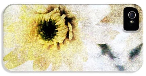 White Flower IPhone 5s Case