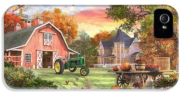 Geese iPhone 5s Case - Autumn Farm by Dominic Davison