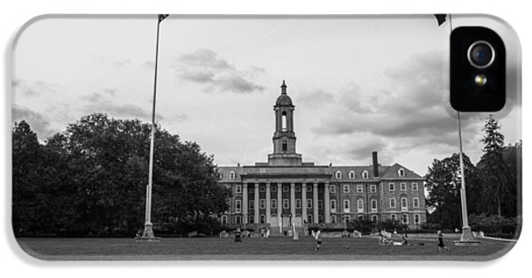 Old Main Penn State Black And White  IPhone 5s Case by John McGraw
