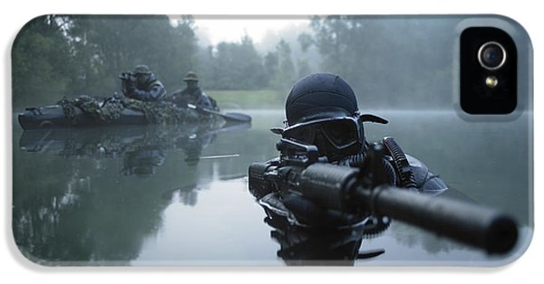 Armed iPhone 5s Case - Special Operations Forces Combat Diver by Tom Weber