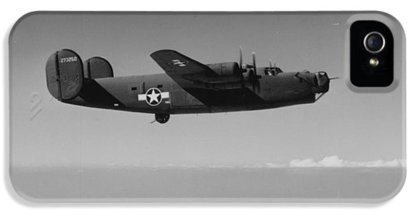 Wwii Us Aircraft In Flight IPhone 5s Case by American School