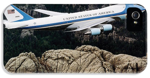 Mount Rushmore iPhone 5s Case - Air Force One Flying Over Mount Rushmore by War Is Hell Store