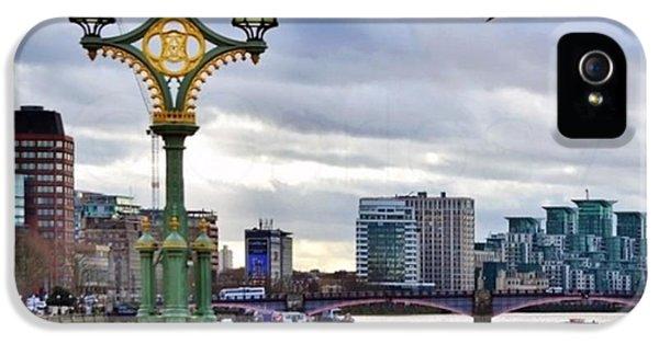London iPhone 5s Case - An Empty Westminster Bridge • #london by Carlos Alkmin