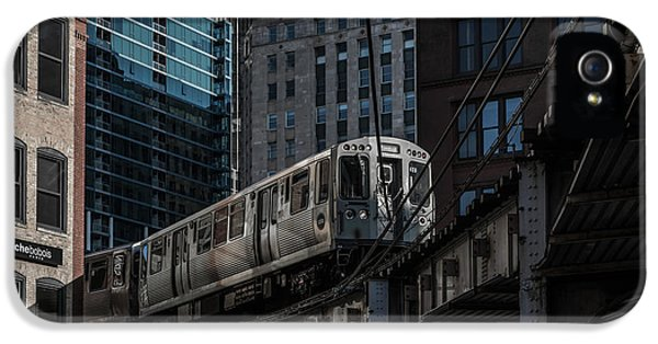 Train iPhone 5s Case - Around The Corner, Chicago by Reinier Snijders