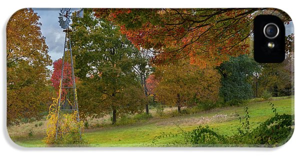 IPhone 5s Case featuring the photograph Autumn Windmill by Bill Wakeley