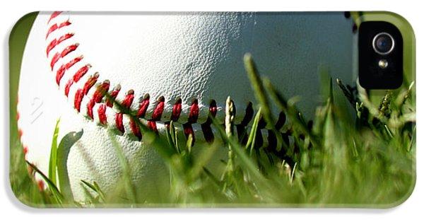 Baseball In Grass IPhone 5s Case by Chris Brannen