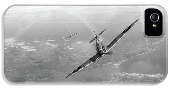 IPhone 5s Case featuring the photograph Battle Of Britain Spitfires Over Kent by Gary Eason