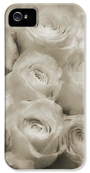 Beautiful White Roses IPhone 5s Case