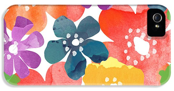 Daisy iPhone 5s Case - Big Bright Flowers by Linda Woods