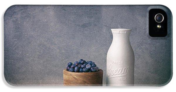 Blueberries And Cream IPhone 5s Case by Tom Mc Nemar